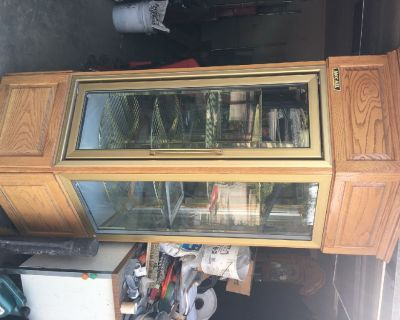 Commercial Refrigerated pastry case