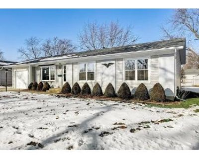 3 Bed 2 Bath Foreclosure Property in Elk Grove Village, IL 60007 - Essex Rd