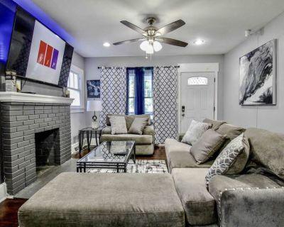 VIP ACCESS GEM HOUSE | 1QUEEN 2FULL 3TWIN | 65inTV - Atlanta