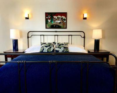 Your Castle Awaits! 3 bed/3bath 1920's Vintage Spanish Duplex. - Los Angeles