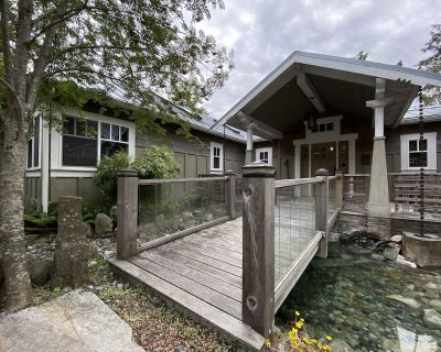 Luxury Mitchell Bay Hideaway - Escape to this 4,000 sq ft retreat with Hot Tub! - Friday Harbor