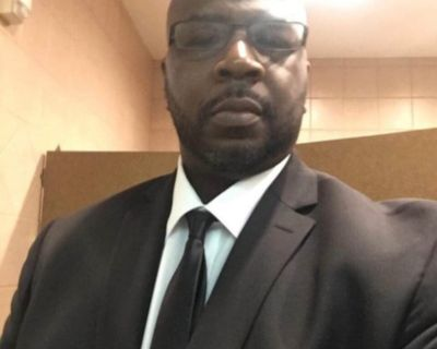 Dexter B is looking for a New Roommate in Houston with a budget of $3300.00