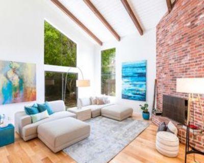 2125 Glyndon Ave, Los Angeles, CA 90291 3 Bedroom Apartment