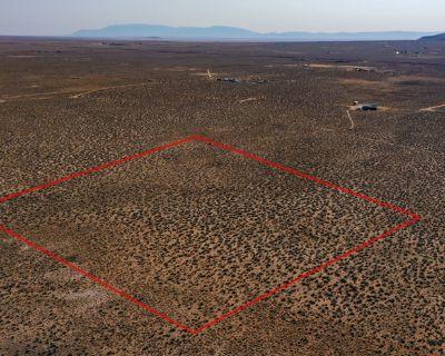 10 Acres for Sale in Los Lunas, NM