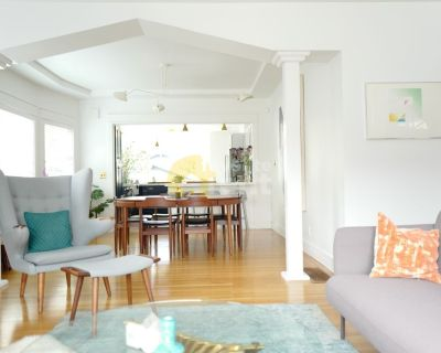 Gorgeous remodeled 3 bedroom 3 bath at Temescal