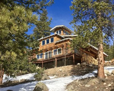 Stunning Mountain Home for the Naturalist, Athlete, & Families - Twin Lakes