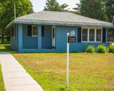 New West Island Cottage - Fairhaven