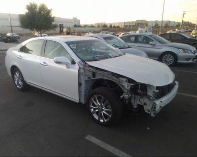 Salvage White 2010 Lexus Es 350