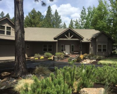 Beautiful Sunriver Home w/ Central Oregon Charm, Great for families, SHARC - Sunriver
