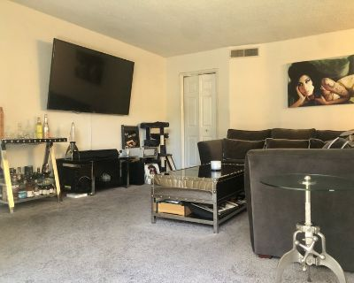 Large room & private bath in West Hollywood