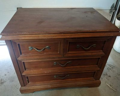 Chest of drawers in good condition