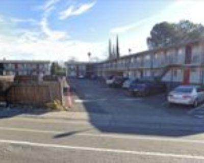 3226 Bell St #25, Sacramento, CA 95821 1 Bedroom Apartment