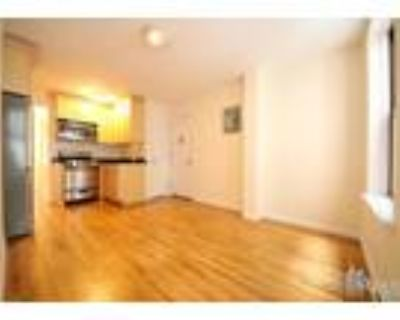 Mott & Prince St* Large Renovated* King Size Bed* Closet Space* Granite Kitchen*