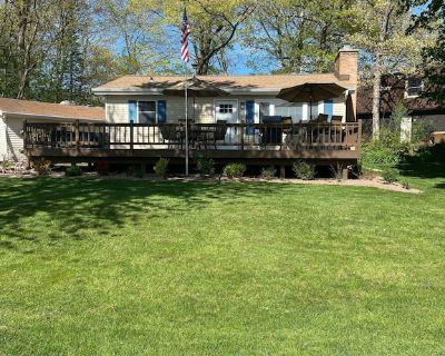 Cottage by the lake - Paddock Lake