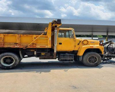 1995 FORD L8000 Plow, Spreader Trucks Truck