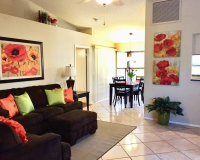 Fantastic Home in Perfect Location - 2 Master Suites - Peacock Village