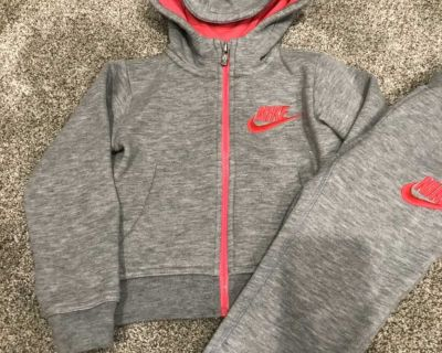 Nike 3t track suit / outfit