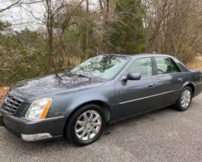 2010 Cadillac DTS with 1SD