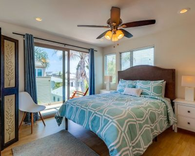 3-story Beach Home W/private Roof Deck by 710 Vacation Rentals - Mission Beach