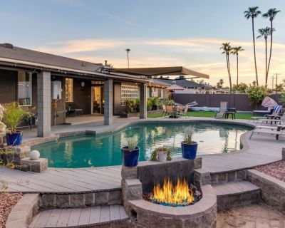 Modern Luxury With a Private Pool - Time to Relax - Village Grove