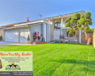 Large 4 Bedroom Home with Beautiful Remodeled Kitchen