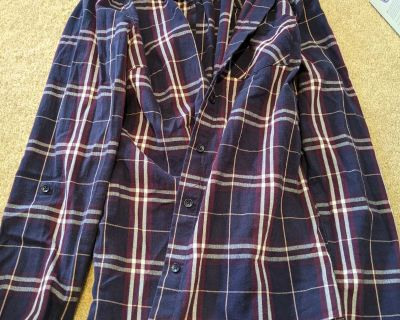 Reitmans size small, button up fitted ladies shirt, free