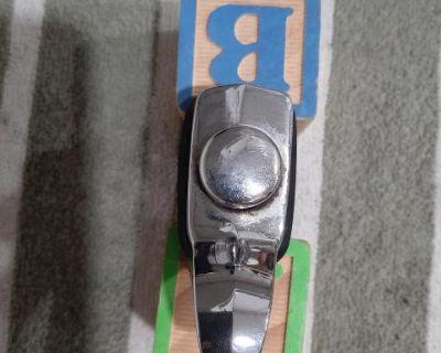 Deck lid push button latch