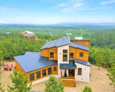 ALL ABOUT THE VIEW-NEW Mountain Top Luxe Cabin with INFINITY VIEWS! 5B/5BA Hot tub/Game Room/Pool Table/Ping PongTable/Desk - Broken Bow