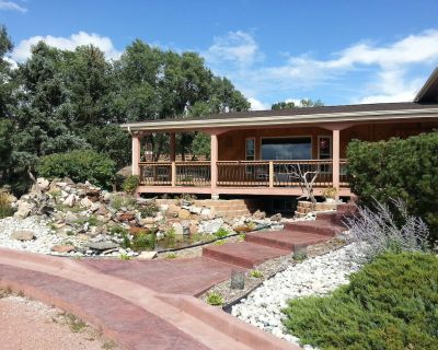 Large Home, Country Setting in Middle of Town Near Air Force Academy - Briargate