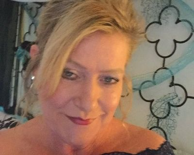 Woman looking for a dependable roommate