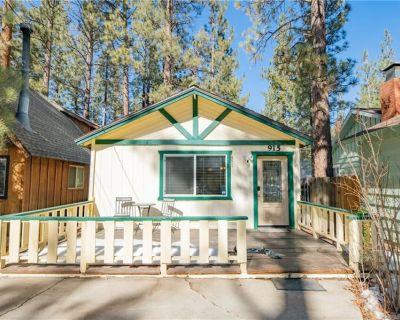 Cozy Cabin close to Ski Resorts/Big Bear Snow Play/Shops/Restaurants/Lakeshore - Big Bear City