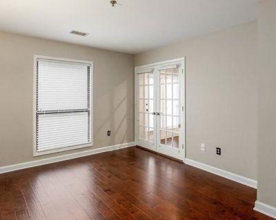 Private room with own bathroom - Atlanta , GA 30324