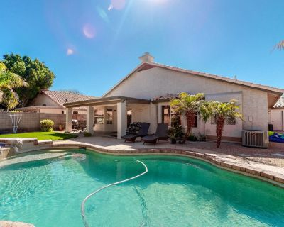 Sunny retreat w/ private pool, hot tub, & game room - perfect for families! - Chandler