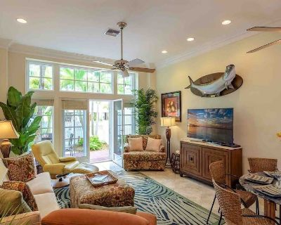 **SOUTHERNMOST PALMS @ THE ANNEX** Villa Near Duval & Beach + LAST KEY SERVICES. - Old Town Key West