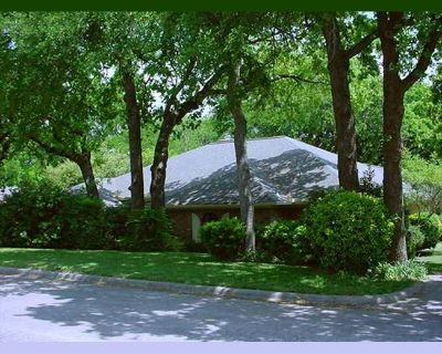 Room for rent in King Richard Drive, Grand Prairie - Room/bath for health-conscious boarder