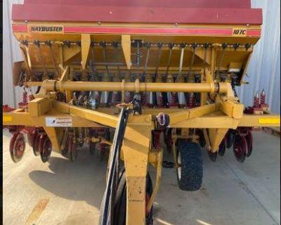 2014 Haybuster 107C Grain Drill