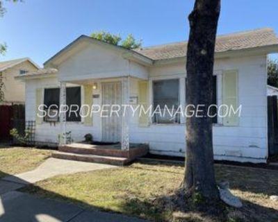 1637 W Orangeburg Ave #1, Modesto, CA 95350 2 Bedroom Apartment