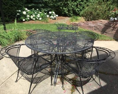 Brookfield 53005 Online Estate Sale Auction by Caring Transitions - Ends 7/22!