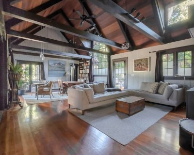 Classic Architecturally Stunning Home Cls to Old Town Pasadena & Rose Bowl - Altadena