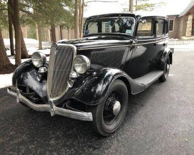 1934 Ford Sedan 4-door All-Steel Barn Find Deluxe Flathead V8 Original Restored Sedan Stock