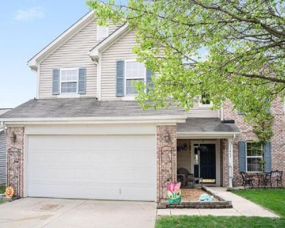 Large Noblesville home in prized Waterman Farms!