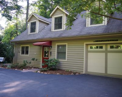 Private and Convenient, hiking, sweet patio, close to Asheville & Hendersonville - Royal Pines