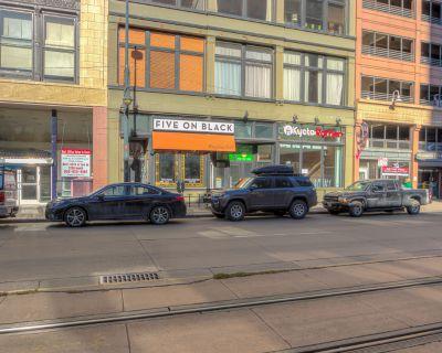 Fully Fixtured Restaurant - Downtown Denver