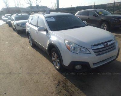 Salvage White 2013 Subaru Outback