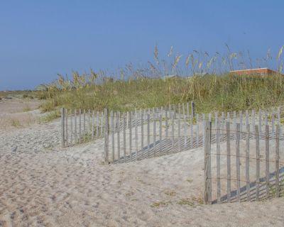 Beach Villa ~ Pet Friendly ~ Fenced Yard ~ Steps to the Beach!!! - St. Augustine Beach
