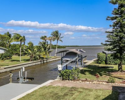Welcome to 269 Driftwood Lane, nestled within a quiet residential section at the desirable southern end of the island. - South Island