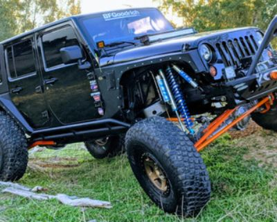 Fully built jeep jku tons, 40s, coilovers & bypasses, caged, linked