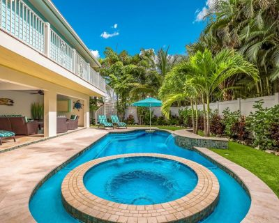 Octopus Cottage - 4 bed/4.5 bath, Private pool & Hot tub! Only 3 mins to beach! - Holmes Beach