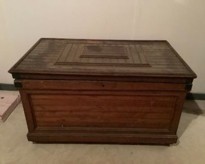 International Traveler with Antiques Online Auction by Caring Transitions - Ends 8/11!