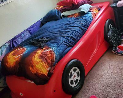 kids race car toddler bed
